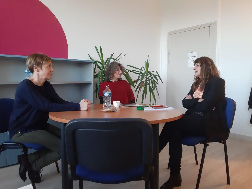 Jane Megid avec Agnès Leblond, Directrice adjointe des relations internationales (à gauche), et Jeanne-Marie Bonnet-Garin, Directrice générale adjointe de VetAgro Sup - campus vétérinaire (à droite)