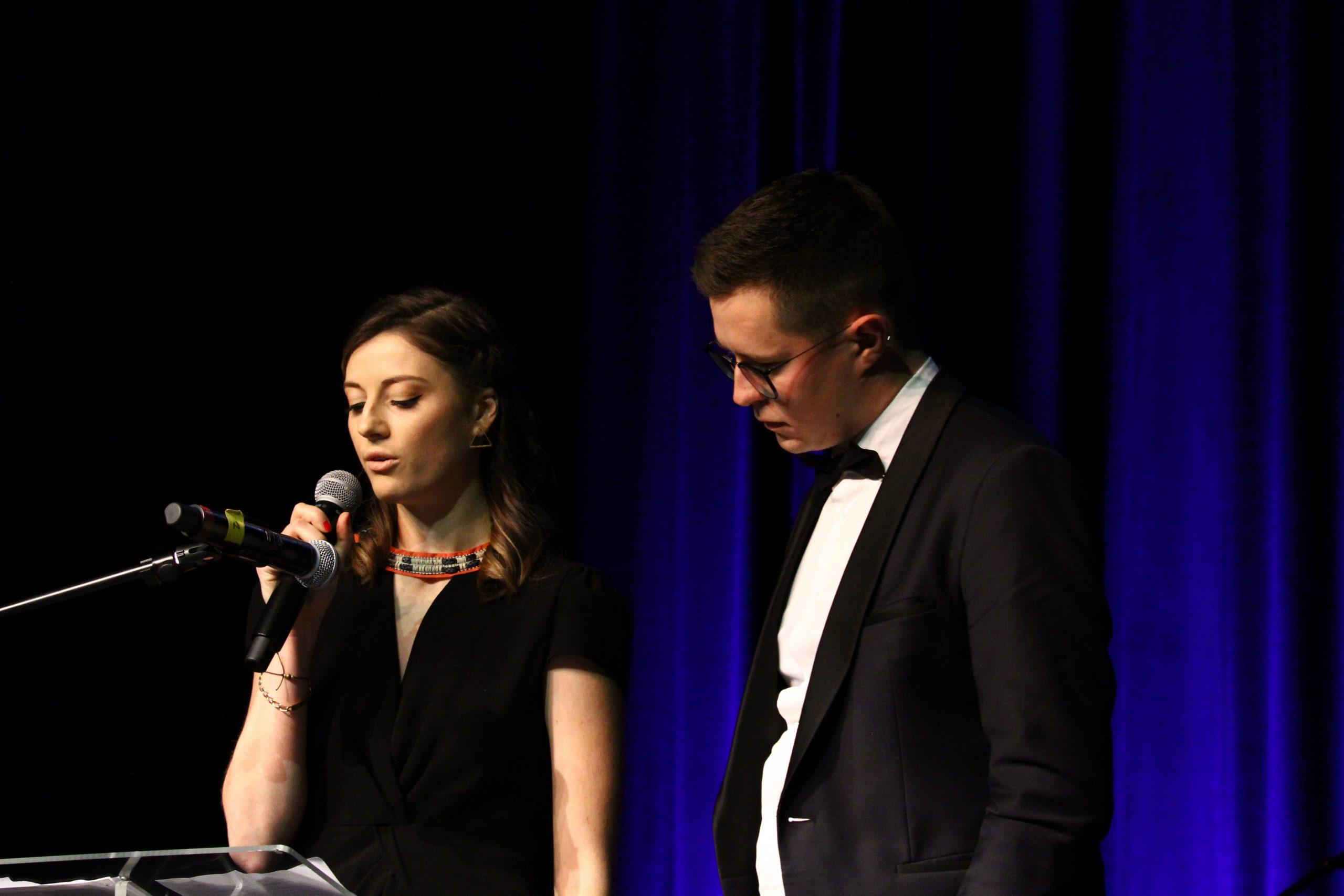 Interventions des diplômés : Lucie Pouchard et Alexie Kremer pour l'option A2E.  Crédit photo : ©Club photo CDA